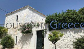 Spetses, Dapia, beautiful house  for sale