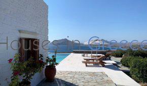 Prestigious house for sale in Paros, in Isterni.