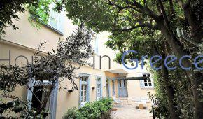 Athens: Single house for sale in Plaka
