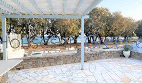 Paros: Small house for sale in front of the beach