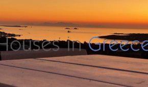 Beautiful house in Paros with great view.