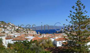 Hydra, gracious four-storey traditional house for sale