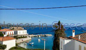 Spetses, old residence in prime location for sale