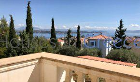 Spetses, beautiful house with garden in a quiet neighbourhood, for sale.
