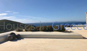 Kea, Amazing villa for sale with direct access to the beach.