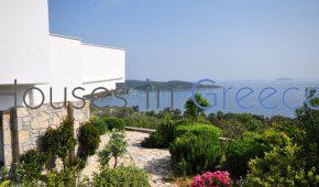 House with pool in Epidaurus for sale