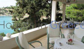 Charming seaside villa for sale in Poros