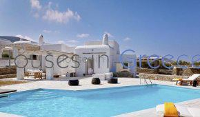 Two houses for sale in Paros with view on kolimbithres