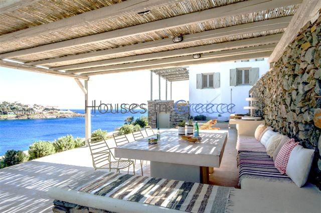 Beachfront villa in Kythnos for sale | Houses in Greece