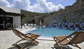 Unique house for sale in Paros with Pool and tennis court