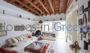Traditional house for sale in Spetses