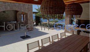 villa mit Pool in Aegina zu verkaufen