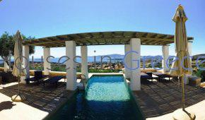 Exclusive villa for sale in Paros with unobstructed seaview