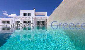 Splendid villa for sale in Paros