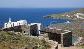 Tinos, luxury villa by the beach for sale