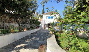 Spetses cosy house for sale a step from the old harbour!