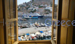 Hydra: Historical apartment on the port for sale
