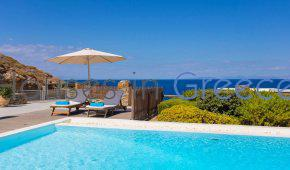 Kea: Villa for sale with pool