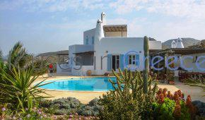 Grand luxury villa for sale in Syros