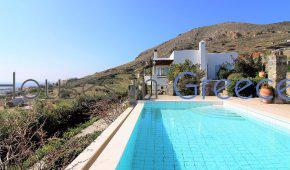 Exceptional villa with infinity pool for sale in Syros