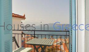 Poros, lovely traditional townhouse for sale