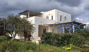 Charming house for sale in Paros