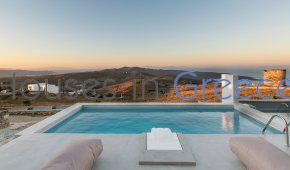 House with pool and sea view for sale on Kythnos