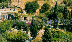 Andros, lovely and charming property for sale