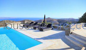 Stunning Villa with view on the Aegean and the Cyclades