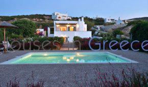 Gorgeous house for sale in Paros