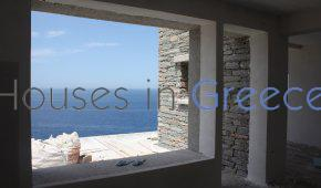 Property for sale on the sea in Kea