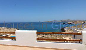 Villa for sale in Paros fronting the sea