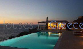 Villa in Kea with pool on the sunset