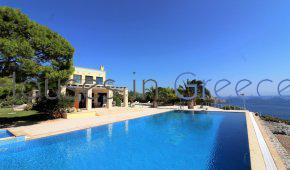 Amazing property for sale in Aegina