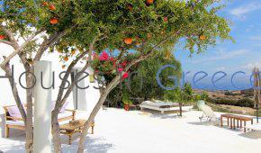 Paros: Distinguished villa for sale in Kostos