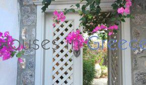 Outstanding property in Hydra