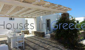 House for sale in Paros