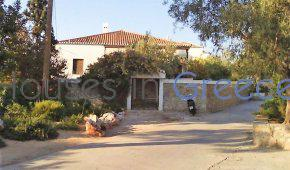 Spetses: prime location house for sale