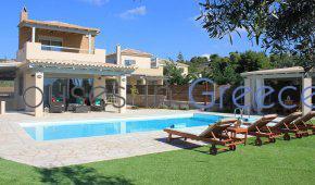 Porto Heli, villa with pool at the beach for sale